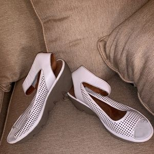 Clarks Reedly Salene Wedge Sandal White Sz 12